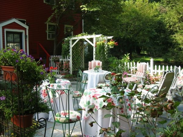 magic-garden party-ideas-for-decoration-for-a-party-in-garden
